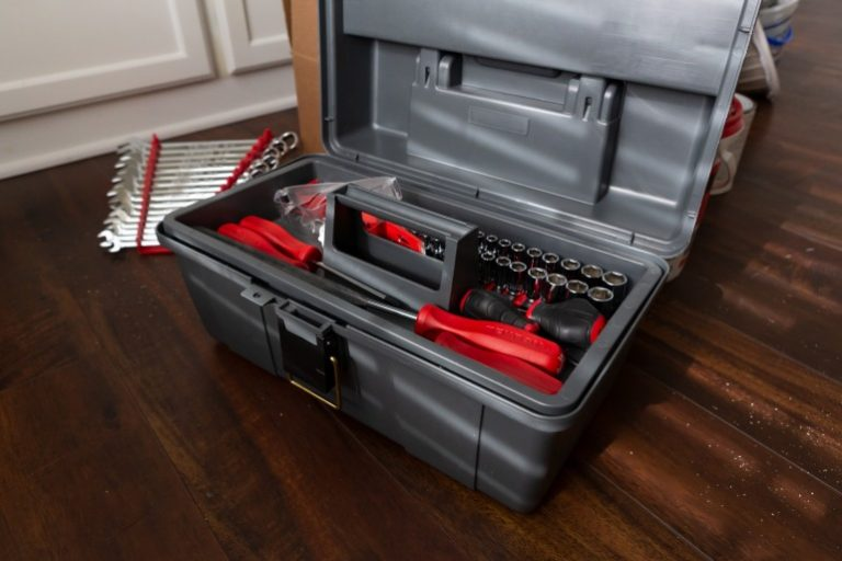 Werkzeugkoffer bestueckt-1